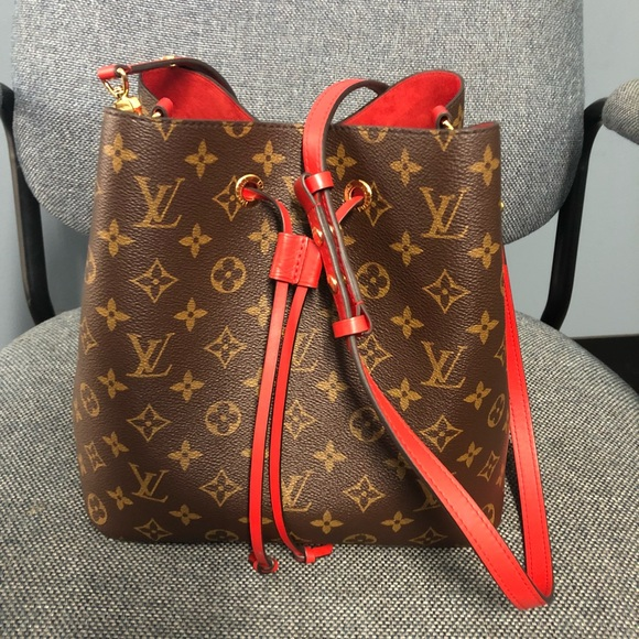 38443ff1852f Louis Vuitton Handbags - NEONOE MNG COQUELICOT Louis Vuitton Handbag